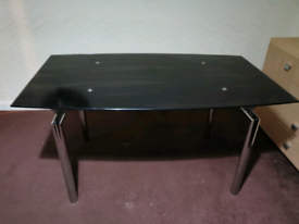 Black glass dining table extensible 6 or 8 people
