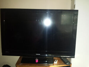 """42"""" Toshiba Flat Screen and DVD player"""