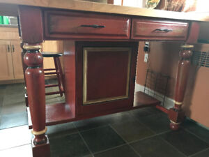 NEW CUSTOM KITCHEN ISLAND WITH 4 MATCHING STOOLS