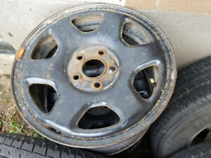 235-70-16   Jantes Ford  235-70-16