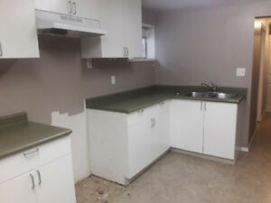 Used kitchen cabinets White  Good condition