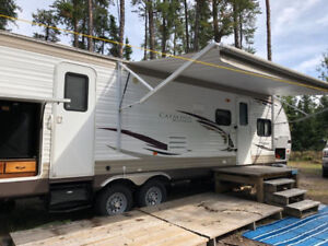 STEAL of a DEAL 2013 Coachmen Catalina 32BHDS Deluxe Edition