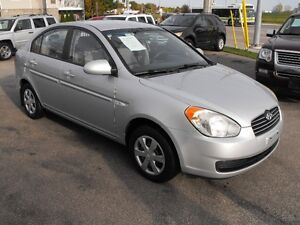 2007 ACCENT GL SEDAN  LOADED  5 SPEED  ONE OWNER-NO ACCIDENTS Windsor Region Ontario image 2