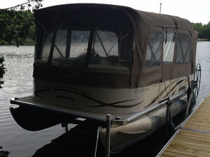 Fantastic 21 Ft Pontoon for Leisure or Fishing