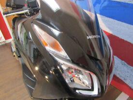 Honda NSS 300 HONDA TOP BOX TALLER SCREEN