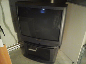 "32"" Panasonic TV in great condition with TV stand $50"