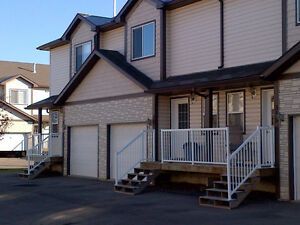 1200 sq/ft 3 bed 2 bath town house with single garage