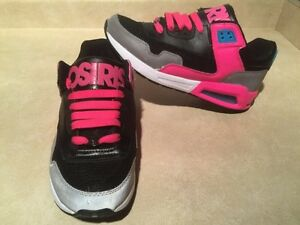 Women's Osiris Shoes Size 9