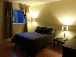 Room for rent/ chambre a louer