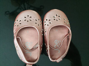 Joe baby shoes -new and Gymboree summer hat