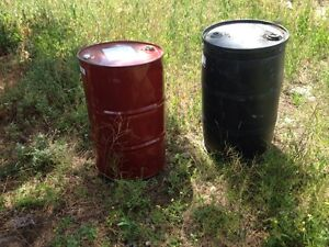 Selling 45 gallon drums, plastic and metal