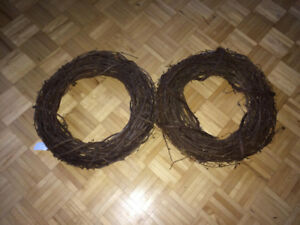 "Wreath 18"" made of grapevine wood"