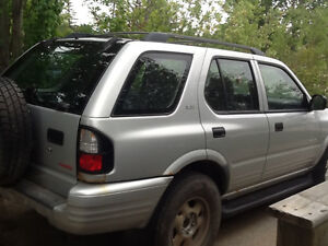 Great condition 2000 Isuzu Rodeo SUV, Crossover ***$2,200 OBO***