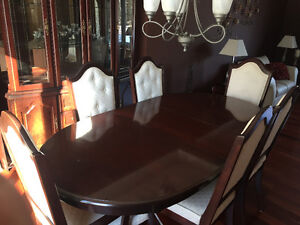 Cherry dining room table, chairs and hutch