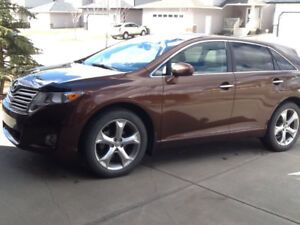 2010 Toyota Venza AWD 3.5L, Loaded, Original Owner, Clean!!!