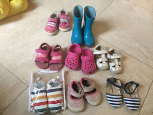 Toddler girl sandals Size 3 & Summer clothes (0-18m)