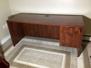 For sale: Office desk & chair