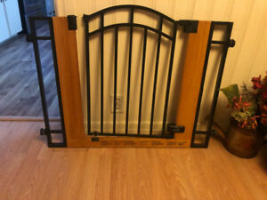 Baby Gate used only 3 months . New like condition.