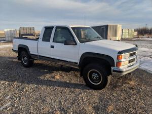 98 Chev 7.4 L 2500 for sale