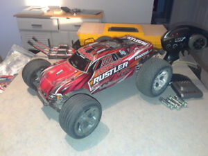 Traxxas Rustler VXL Brushless RC car 2wd- lots of accesories