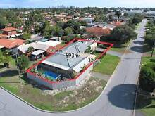 Rooms for Rent in Belmont Town Centre – with POOL! Belmont Belmont Area Preview