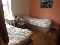 ROOM SHARE IN FULHAM FOR FEMALE ..AVAILABLE NOW..£95 PW (BILLS INC)