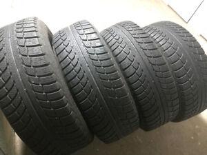 4 pneus d'hiver GISLAVED  225/65R17