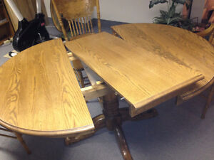 Solid oak table and chair Peterborough Peterborough Area image 6