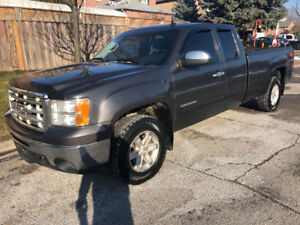 2010 GMC  Sierra 1500 SLE 4X4  extended cab  8 foot box no rust