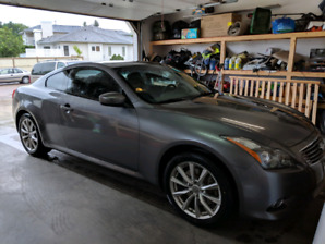 AWD 2011 Infiniti G37X Coupe w/auto starter and all options