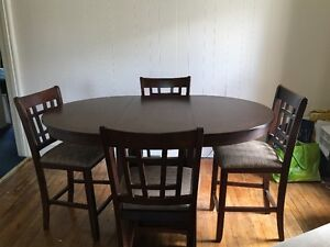 Kitchen/Dining Table and Chairs - Set