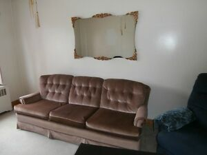 FAUTEUIL SALON  3 PLACES..SOFA THREE PLACES.LAZY BOY FREE