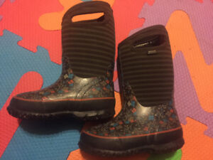 Bogs Girls Winter boots, size 10