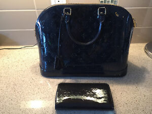 Authentic Louis Vuitton purse and matching walllet