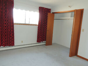 Gravelbourg House For Sale,  NEW  PRICE !!! Moose Jaw Regina Area image 6