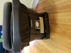 LIKE NEW Peg Perego Infant Car Seat