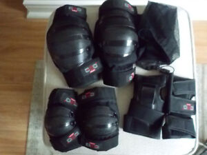 Rollerblading Safety Gear - Knee, Elbow and Wrist Pads/Protector