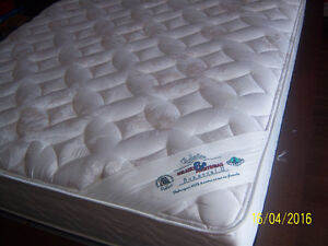 matelas queen ( grand lit )