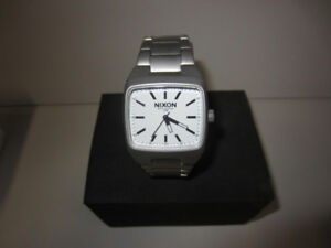 "** REDUCED NEW - Nixon Watch ""The Manual II"""