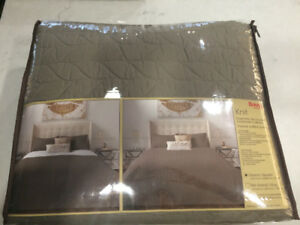 Queen Size Taupe Coverlet Set - New