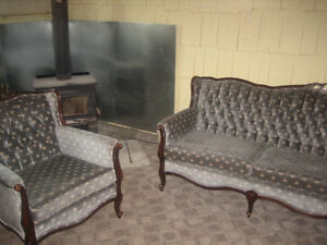 Beautiful antique couch and chair set!!!