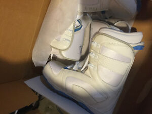 Size 10 ladies firefly snowboard boots