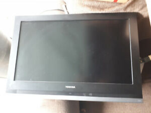 32 inch toshiba HD tv for sale