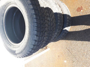 4-215/75/15 Tires Like New