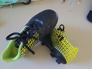 Adidas soccer junior shoes