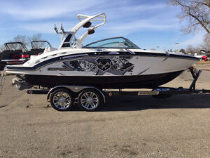 LIKE NEW - 2012 CHAPARRAL WAKE BOAT - MUST GO Regina Regina Area image 2