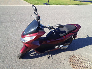 Honda PCX150 For Sale - Only used for one year, virtually new