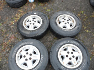 Set of 4 Michelin Jeep Tires Rims P225/75R15 Cross Terrain SUV
