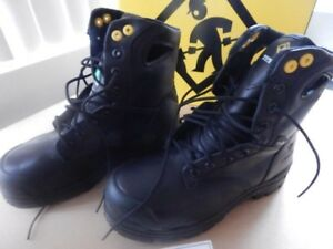 Safety Shoes, Orig. Box & Tags, Fantastic Low Price