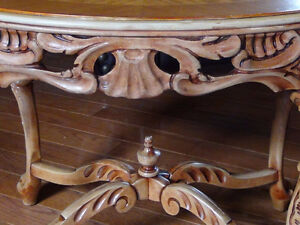 Hand carved antique table Kingston Kingston Area image 2